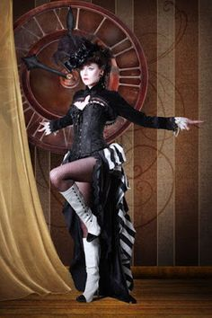 A guide to Steampunk fashion: costume tutorials, Steampunk clothing guide, cosplay photo gallery, updated calendar of Steampunk events, and more. Circo Steampunk, Viktorianischer Steampunk, Steampunk Clothing, Steampunk Fashion, Gothic Fashion, Renaissance Clothing, Steampunk Necklace, Emo Fashion, Steampunk Couture