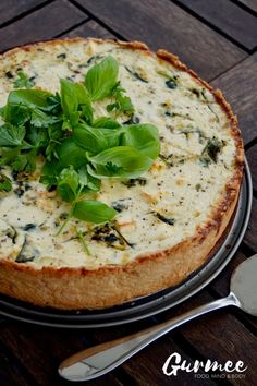 This Zucchini Spinach & Feta Cheese Pie is to die for! Good Food, Yummy Food, Cheese Pies, Salty Foods, Spinach And Feta, Food Design, I Foods, Food Inspiration, Food And Drink