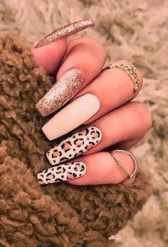 Acrylic Nail Designs 244601823499278260 - 21 Trendy Coffin Nails Design Ideas * remajacantik Source by brbuenoca Nails Polish, Aycrlic Nails, Glitter Nails, Coffin Nails, Fun Nails, Gold Glitter, Stiletto Nails, Summer Acrylic Nails, Best Acrylic Nails