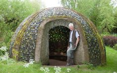 An innovative eco-shed with an allotment on its roof has won the Shed of the   Year competition