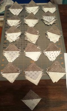 Allietare mystery quilt, clue 1. All done with a few extra.  Link up to see how others are coming along: http://quiltville.blogspot.com/2015/11/mystery-monday-link-up-allietare-part-1.html