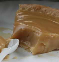 Lgende dAutomne: Tarte lrable - Whatever it is, it looks fabulous. In English - Yum. Canadian Cuisine, Canadian Food, Pie Dessert, Dessert Recipes, Desserts With Biscuits, Delicious Desserts, Yummy Food, Sugar Pie, Sweet Recipes