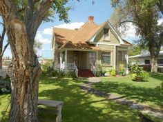 A nice very early 1900 home but NOT FROM SEARS in Belen New Mexico  And a poorly written article that is rife with errors!