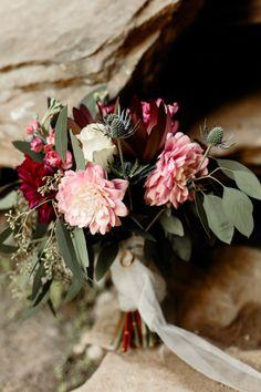 Wedding Speaches, Maroon Wedding, Fall Wedding Cakes, Wedding Bridesmaids, Green Wedding, Wedding Photos, Wedding Ideas, Burgundy Wedding Colors, Fall Wedding Colors