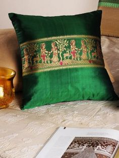 20 Colorful Pillow Cover Ideas With Bohemian Style 20 bunte Kissenbezug-Ideen mit böhmischem Stil Diy Pillow Covers, Diy Pillows, Bed Covers, Cushion Covers, Cushion Cover Designs, Pillow Cover Design, Ethnic Home Decor, Indian Home Decor, Colorful Pillows