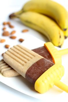 Creamy Cocoa Banana Nut Popsicles, http://www.savorystyle.com/creamy-cocoa-banana-nut-popsicles/