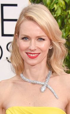 Naomi Watts Brings the Bling with Blinding Bulgari Serpent Necklace at 2015 Golden Globes, It's Doesn't Bite!