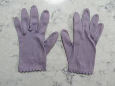 "Vintage 1950's Lavender Purple Wrist Length 8""  Gloves--Size 7 to 7 1/2--Auction #1005 by PrimaMona on Etsy"