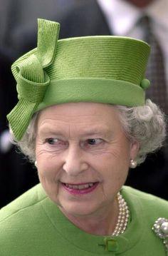 Queen Elizabeth, October 19, 2000 | Royal Hats