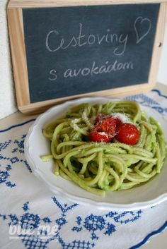 Cestoviny s avokádom Avocado Pasta, My Cookbook, Vegan Recipes, Spaghetti, Ethnic Recipes, Plant Based, Food, Lifestyle, Essen