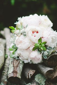 amazing pink peony bridal bouquet #kayteelaurenphotography #bouquet #wedding #bride #photography http://kayteelauren.com/