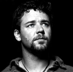 Russell Crowe, male actor, beard, portrait, photo b/w. Gladiator Movie, Drawing Heads, Russell Crowe, You Are Cute, Bear Men, We Are Young, Black And White Man, Photo Black, Portrait Photo