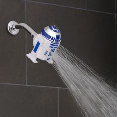 Our new product is out of this world! Meet the Star Wars™ R2-D2 Shower Head, set on the Oxygenics+WideStream setting.