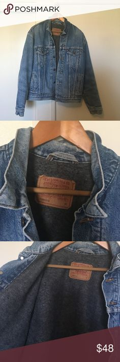 vintage levi's denim jacket super warm vintage jacket. some distressing pictured on collar and each sleeve. super good for winter. women's xl and mens l-xl. cheaper thru Ⓜ️ercari Levi's Jackets & Coats Jean Jackets