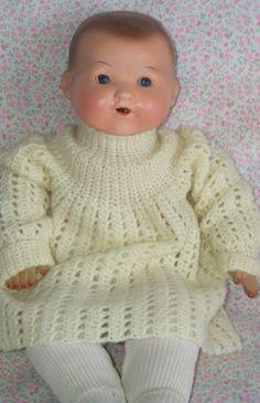 Antigua Muñeca española  de ropa con la  cabeza de pasta y ojos pendulades de cristal  Antique Spanish doll clothes with pasta and pendulades head glass eyes