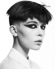 STRAIGHT BLACK AVANT-GARDE FRINGE Short Hair Cuts, Short Hair Styles, Funky Short Hair, Avant Garde Hair, Creative Colour, Shaved Hair, Latest Hairstyles, Hairdresser, Eyeliner