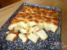 Dukatenbuchteln - a super dough Slovak Recipes, Czech Recipes, Czech Desserts, Baking Recipes, Dessert Recipes, Best Pancake Recipe, Good Food, Yummy Food, Bread And Pastries