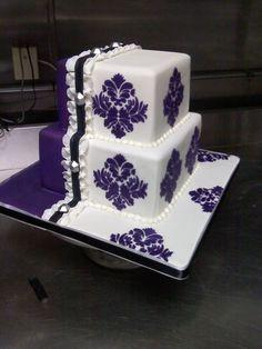 Stenciled Cake