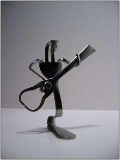 fork-sculptures-by-Mathew-Bartiks
