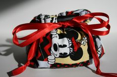 Hey, I found this really awesome Etsy listing at https://www.etsy.com/listing/264704155/mickey-and-minnie-mouse-disney-jewelry