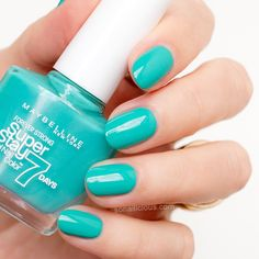Maybelline Super Stay in Forevermore Green