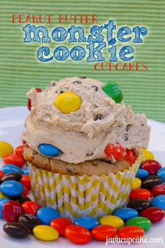 Peanut Butter Monster Cookie Cupcakes by Java Cupcake will satisfy everyone's sweet tooth. These super sweet, crunchy, peanut butter cupcakes loaded with Yummy Cupcakes, Cupcake Cookies, Cupcake Wars, Cupcakes Kids, Cupcake Cupcake, Heart Cupcakes, Cupcake Heaven, Just Desserts, Delicious Desserts