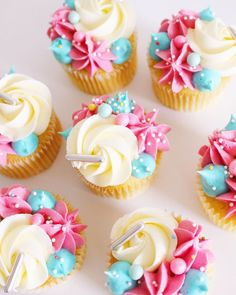 6 Secrets Of How To Bake The Perfect Cupcake - Novelty Birthday Cakes Cupcakes Design, Cupcake Cake Designs, Fancy Cupcakes, Sprinkle Cupcakes, Pretty Cupcakes, Cupcake Icing, Baking Cupcakes, Yummy Cupcakes, Cupcake Cookies