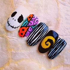 Discover the 10 most popular nail polish colors of all time! - My Nails Cute Nails, My Nails, Essie Nail Polish Colors, Kawaii Nails, Crazy Nails, Disney Nails, Halloween Nail Art, Gel Nail Designs, Beautiful Nail Designs