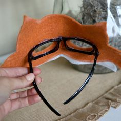 faschingsmasken basteln mit kindern serre-tête à oreilles Animal Costumes For Kids, Diy For Kids, Crafts For Kids, Fox Mask, Kids Dress Up, Animal Masks, Diy Costumes, Pirate Costumes, Diy Fox Costume