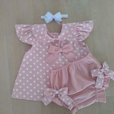 White Top And Beige Panties Dress – Diy Crafts – DIY & … – Suggestions for Newborns Baby Girl Dress Patterns, Baby Dress Design, Baby Clothes Patterns, Dresses Kids Girl, Cute Baby Clothes, Baby Outfits, Kids Outfits, Baby Girl Fashion, Kids Fashion