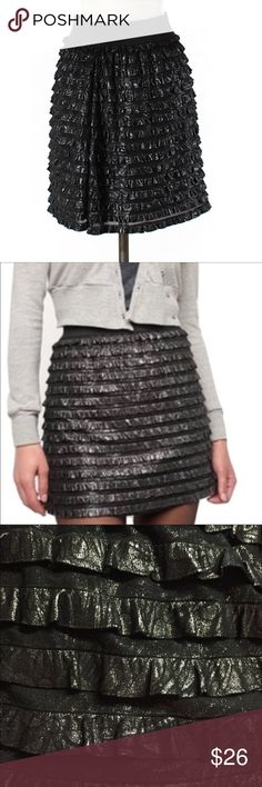"""Kimchi Blue Sz M Black Shimmer Ruffle Tiered Skirt 🔸Kimchi Blue Ruffle Tiered Skirt 🔸Urban Outfitters🔸 Sz M 🔸Black Silver Metallic🔸 Stretch Band🔸 Lined🔸Stretchy🔸 Length 17""""🔸Waist 13.5""""🔸Hips 17.5""""🔸 NWOT Urban Outfitters Skirts Midi"""