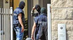La Mafia  e`anche in tua citta       *       Die Mafia ist auch in deiner Stadt  : Razzia gegen Clan von Mafia-Superboss