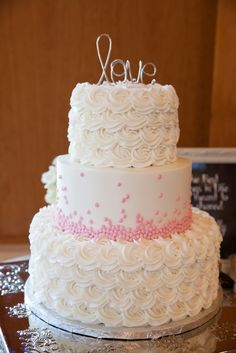 Bride's Cake With Swirl Roses and Light Pink Dots | Sweet Treets Bakery | Peary Photogrpahy | Theknot.com