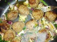 Meatballs Sprouts, Vegetables, Ethnic Recipes, Food, Meal, Essen, Vegetable Recipes, Hoods, Brussels Sprouts