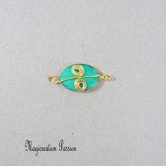 Connecteur cabochon soie vert et doré Arabesque, Enamel, Stud Earrings, Cabochons, Montage, Boutique, Accessories, Jewelry, Playing Card