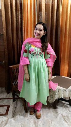 Punjabi Dress Design, Designer Punjabi Suits, Indian Designer Wear, Embroidery Suits Punjabi, Embroidery Suits Design, Salwar Suit Pattern, Frock Patterns, Trendy Suits, Boutique Suits