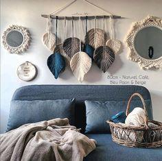 Macramé Feather Suspension - My Store Macrame Wall Hanging Patterns, Macrame Art, Macrame Design, Macrame Projects, Macrame Patterns, Driftwood Projects, Macrame Knots, Micro Macrame, Home Crafts