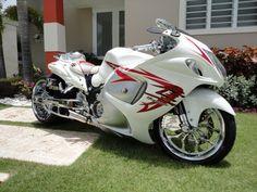 Hyabusa Motorcycle, Suzuki Motorcycle, Moto Bike, Motorcycle Style, Suzuki Bikes, Custom Street Bikes, Custom Sport Bikes, Ducati Motorcycles, Custom Motorcycles
