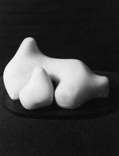 Dame Barbara Hepworth / Mother and Child 1934 Abstract Sculpture, Sculpture Art, Contemporary Art Artists, Colour Story, Artist Workshop, Barbara Hepworth, Artwork Display, Feminist Art, Ways Of Seeing