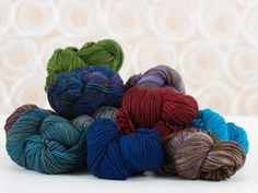 Worsted weight and wonderful, Tosh Vintage is a dream come true! This 100% superwash merino yarn offers 200 yards per skein in a variety of haute, hand-dyed hues. Add rich color and softness to you...
