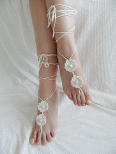 I am a gypsy at heart! So as my first full wedding idea post I decided to post about a wedding Style I would go for, The Bohemian Wedding! This is a compilation of some beautiful finds around the i… Bohemian Wedding Theme, Bohemian Style, Dream Wedding, Wedding Stuff, Wedding Ideas, Crochet Barefoot Sandals, Cream Flowers, Bare Foot Sandals, Anklet