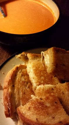 Grilled Cheese and Tomato Soup #food #foodporn #cheese #tomato
