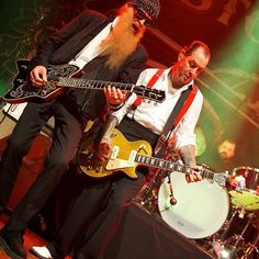 Billy Gibbons from ZZ Top joined Mike Ness and Social Distortion onstage! Only at House of Blues! C: Rolling Stone #live #music #photography