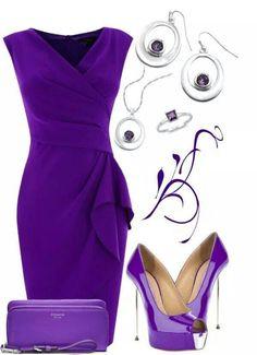 Hermoso vestido en tono violeta.