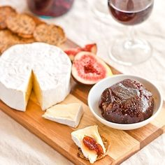 Serve this fig paste as part of a cheese board as it makes a delicious accompaniment to hard and soft cheeses.