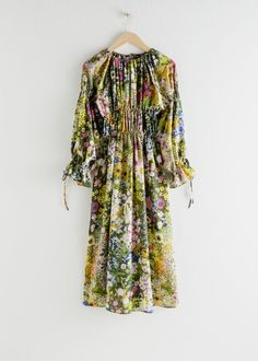 Silk Blend Floral Midi Dress - Floral - Midi dresses - & Other Stories Floral Midi Dress, Floral Blouse, Midi Dresses, Zara, Kenzo, Fashion Story, Girl Fashion, Dress Fashion, Tommy Hilfiger