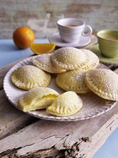 Unser beliebtes Rezept für Gefüllte Taler mit Zitronen-Ricottacreme und mehr als 55.000 weitere kostenlose Rezepte auf LECKER.de.