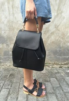 detailed look c7428 f4703 Sophia Backpack Shoulder Bag 80s Outfit, Dress Outfits, Vintage Bags,  Vintage Ladies
