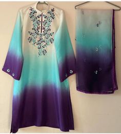 Simple Pakistani Dresses, Pakistani Outfits, Indian Outfits, Embroidery Suits Design, Embroidery Fashion, Womens Dress Suits, Suits For Women, Kurta Designs Women, Blouse Designs