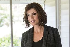 the gorgeous Zoe McLellan. New hairstyle for Agent Meredith Brody. LOVE!!!!!
